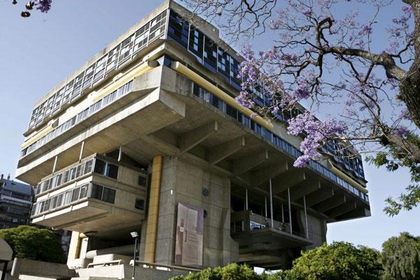 The Brutalist Biblioteca Nacional in Recoleta